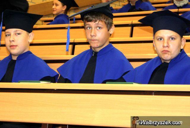 Wałbrzych: Najmłodsi studenci rozpoczęli naukę