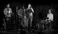 Wałbrzych: Koncert Friends & Nieighbors w A' Propos – bilety rozlosowane