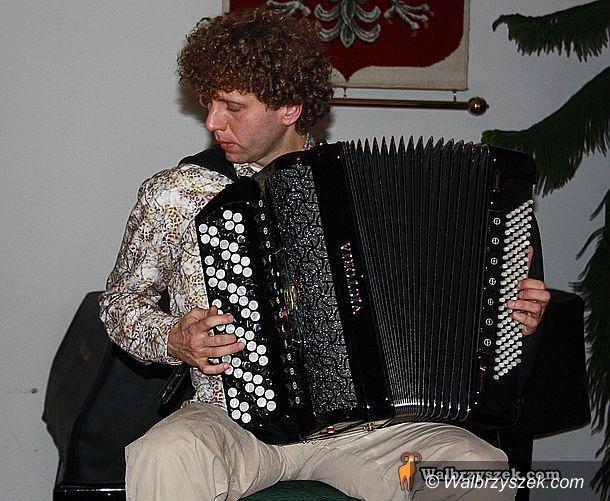 REGION, Szczawno-Zdrój: Koncert wirtuoza akordeonu w Zdrojowym
