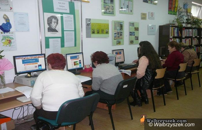 REGION, Czarny Bór: Seniorzy przy komputerze