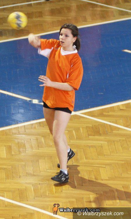 Wałbrzych: Gimnazjada – piłka ręczna dziewcząt