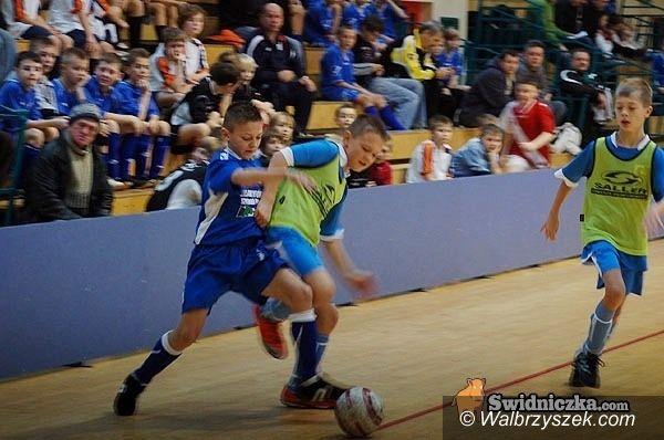 Boguszów-Gorce: Olimpia Kamienna Góra wygrała turniej halowy