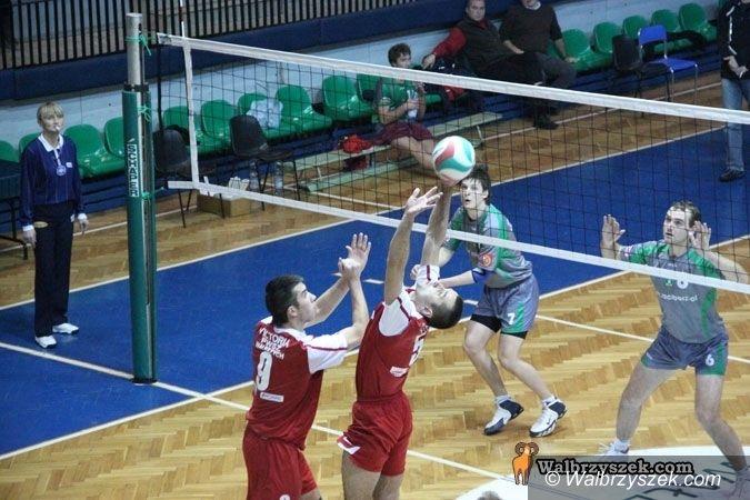 III-liga siatkarzy: Wygrać z Rafako i zapewnić sobie awans do play–offów