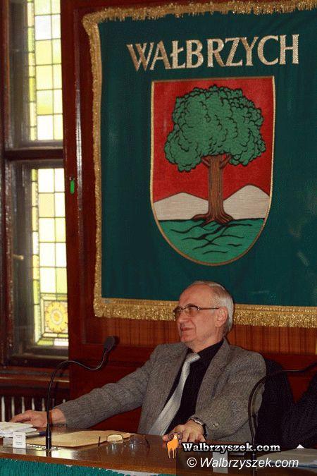 Wałbrzych: Radny Krzyżowski remontuje drogi