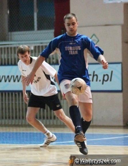 Wałbrzych: Zagrali piłkarze z Ronal League