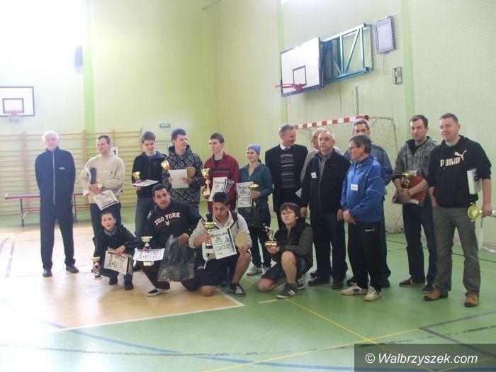 Jedlina-Zdrój: Zagrali przy tenisowych stołach