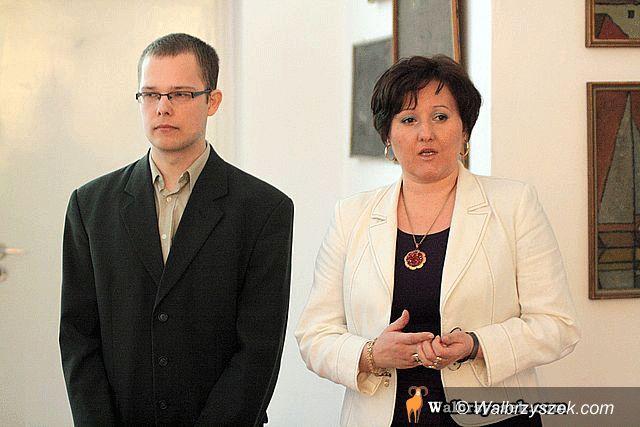 Wałbrzych: Seniorzy opanowali Akademię Młodych