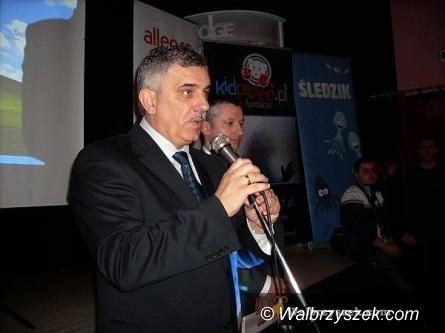 Wałbrzych: Senator Ludwiczuk zaangażował się w sprawy wałbrzyskiej oświaty