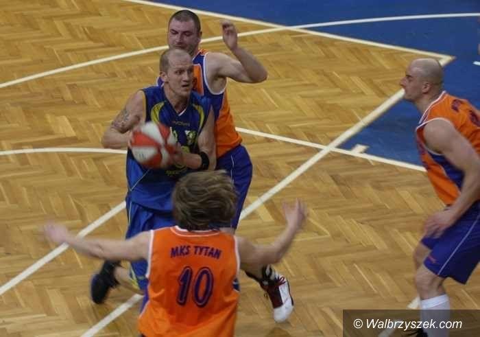 III-liga koszykarzy: Nie w Wałbrzychu, a w Sosnowcu