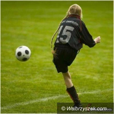 """Czarny Bór: Dziewczyny na boisko, """"Piłkarska Kadra Czeka"""""""