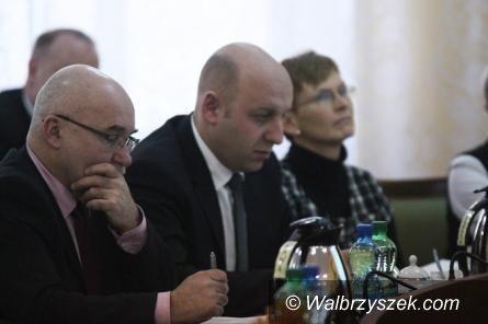 Wałbrzych: W piątek spotkają się powiatowi radni