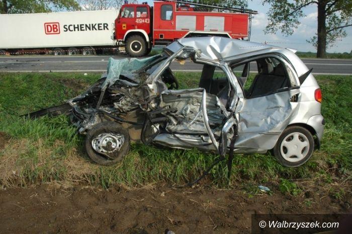 REGION/Niemcza: Kierowca z Czarnego Boru cudem wyszedł z karambolu bez szwanku