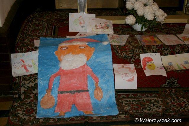 Wałbrzych: Mikołaj odwiedził dzieci z Białego Kamienia i Konradowa