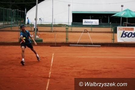 Wałbrzych: III Mikołajkowy Turniej Tenisowy