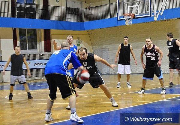 Wałbrzych: Świąteczne granie w OSiR Basket Lidze