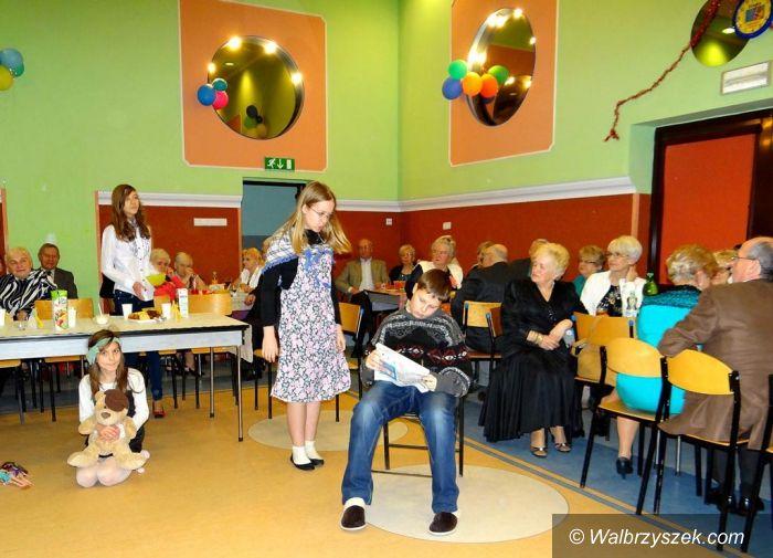 Wałbrzych: Obchody Dnia Babci i Dziadka w OSK