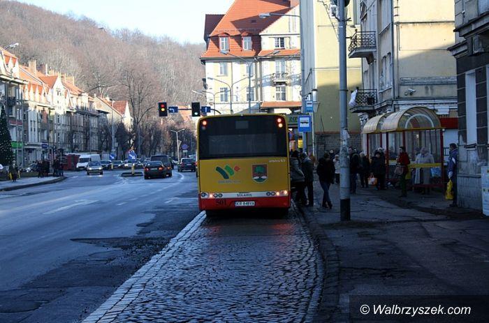 Wałbrzych: Mieszkańcy niezadowoleni ze zmiany lokalizacji przystanków w obrębie Placu Grunwaldzkiego