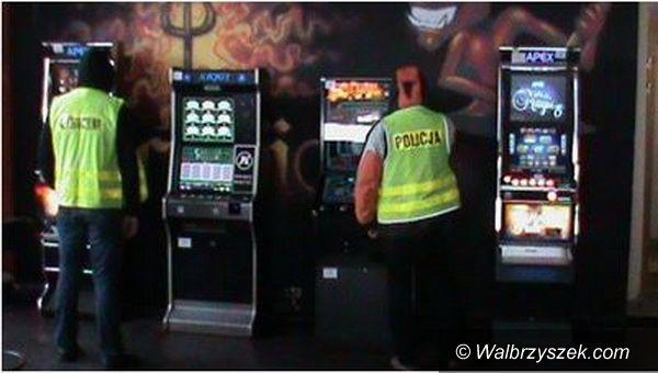 Wałbrzych: Zabezpieczono nielegalne automaty do gier