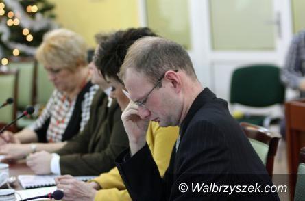 powiat wałbrzyski: Kamil Orpel wytrwale walczy o lodowisko dla Jedliny Zdroju