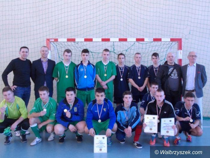 Głuszyca: Strefowy turniej halowej piłki nożnej młodzieży OHP