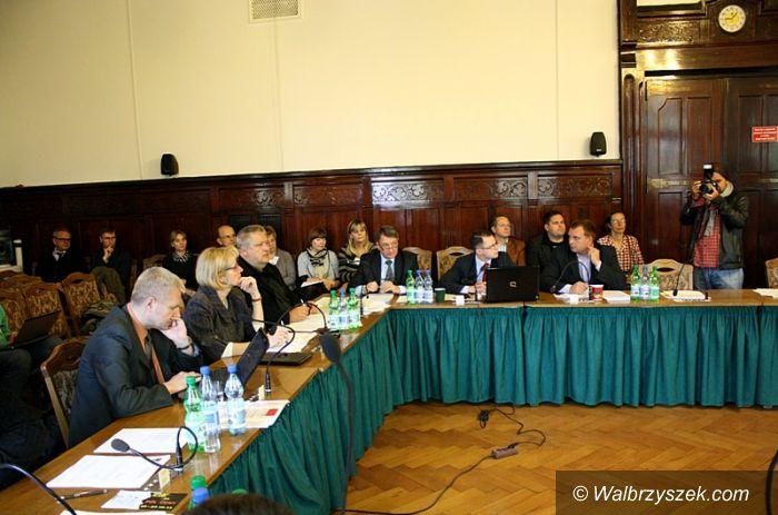 Wałbrzych: Jutro na sesji radni porozmawiają o Karcie Rodzina 3 Plus