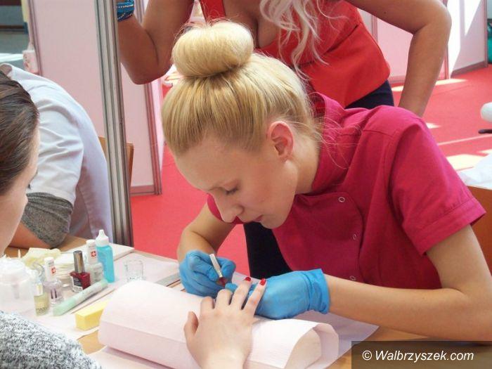 Wałbrzych: Sukces studentek kosmetologii PWSZ
