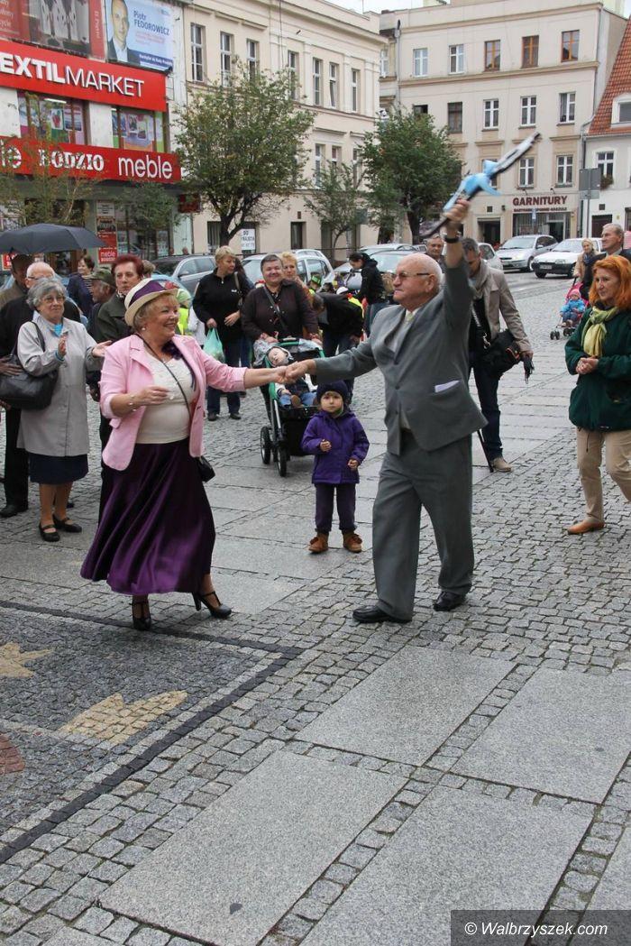 Świebodzice: Świebodzice: Seniorzy przejęli miasto