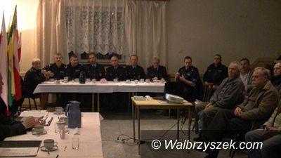 """Wałbrzych: Debata społeczna dotycząca bezpieczeństwa na osiedlu """"Podzamcze"""" w Wałbrzychu"""