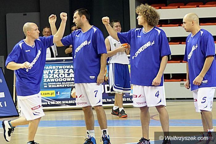 Wałbrzych: II liga koszykówki: Mecz liderów