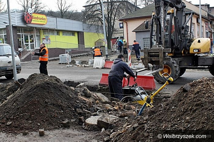 Wałbrzych: Na ulicy Niepodległości trwają jeszcze roboty drogowe