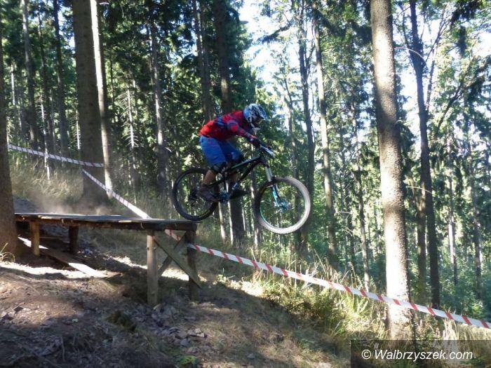 Boguszów-Gorce: Zawody Downhill na Dzikowcu