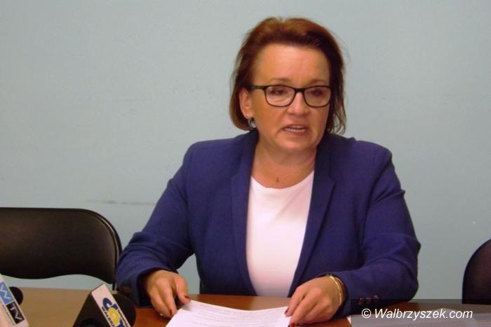 """Wałbrzych: Anna Zalewska zabiera głos w sprawie """"złotego pociągu"""""""