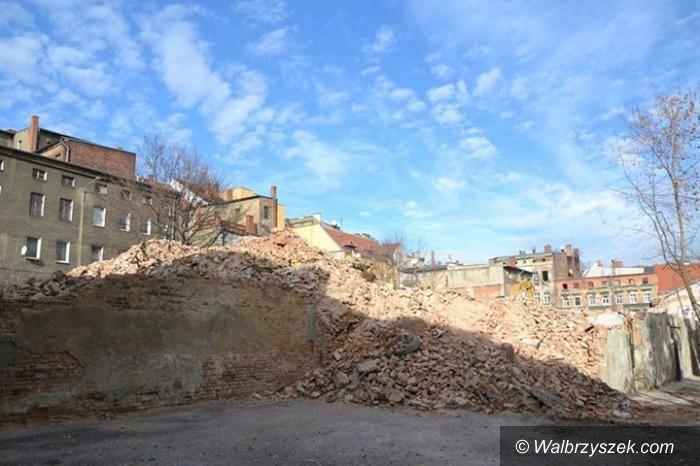Wałbrzych: Budynek przy Młynarskiej znika w oczach