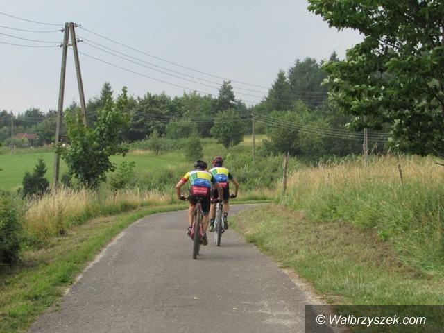 Głuszyca: Finisz trzeciego etapu Sudety MTB Challenge w Głuszycy