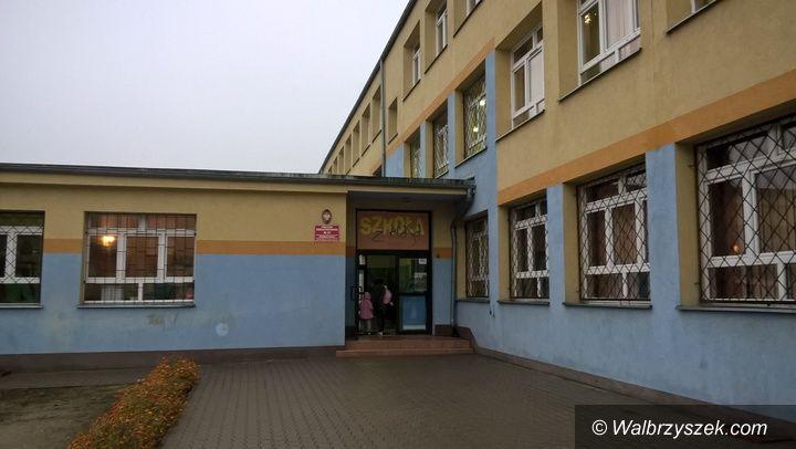 Wałbrzych: Partia Razem odnosi się do sytuacji w PSP nr 37