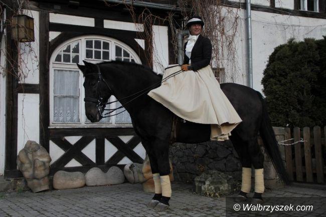 Wałbrzych: Jazda w damskim siodle wraca do mody