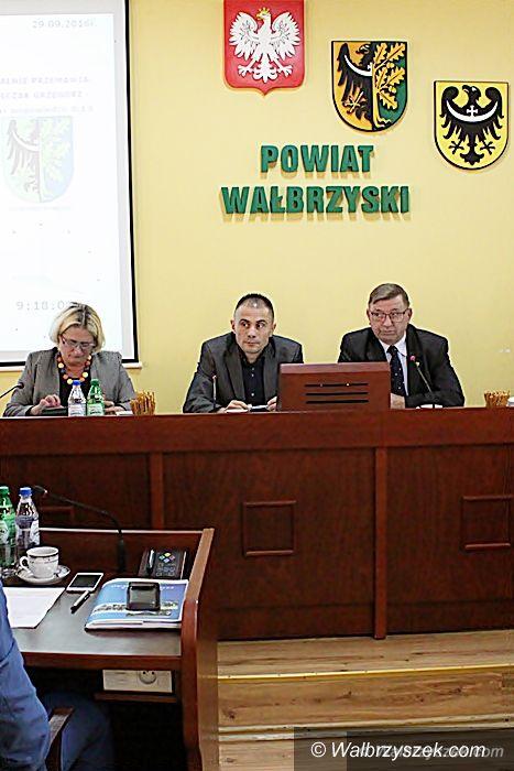 powiat wałbrzyski: XIX Sesja Rady Powiatu Wałbrzyskiego