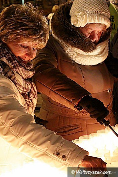 Wałbrzych: Lampiony Pamięci na Placu Magistrackim