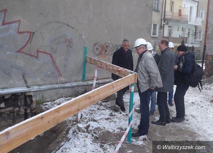 Wałbrzych: 9 mieszkań powstaje przy zbiegu ulic Paderewskiego i Pietrusińskiego