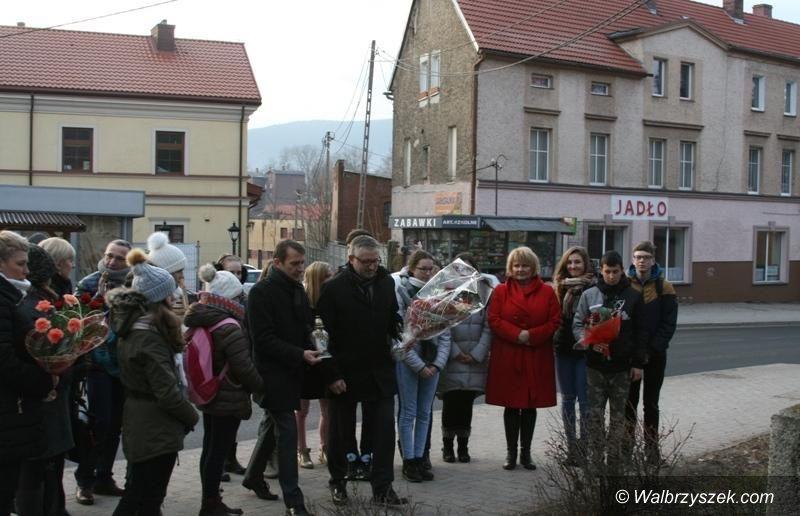 REGION, Głuszyca: 35. rocznica wprowadzenia stanu wojennego obchodzona również w Głuszycy