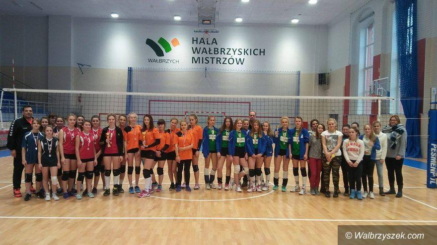 Wałbrzych: Siatkarski finał gimnazjów dla dziewcząt z PG nr 9