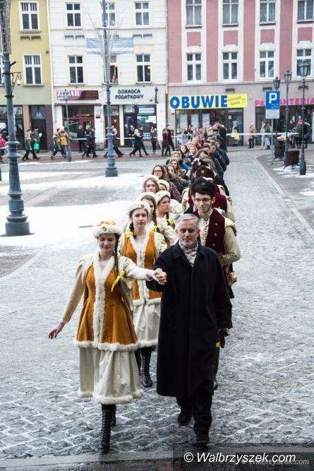 Wałbrzych: Po raz kolejny uczniowie zatańczą Poloneza
