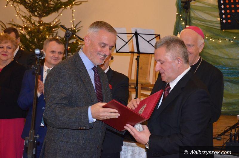 Wałbrzych/Strzegom: Prezydent Szełemej oznaczony tytułem