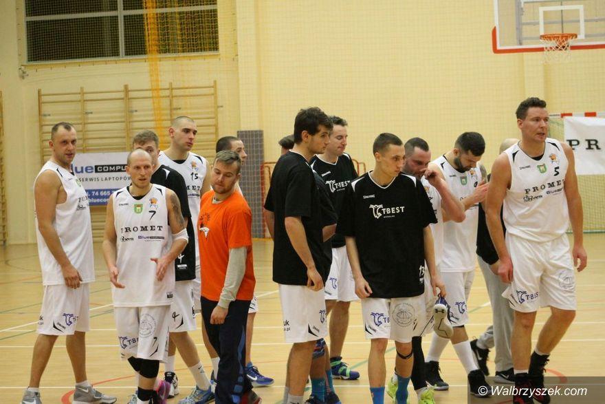Szczawno-Zdrój: III liga koszykówki: Szczawno minimalnie gorsze od Oleśnicy