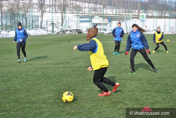 Wałbrzych: Kadra piłkarek trenuje w Wałbrzychu