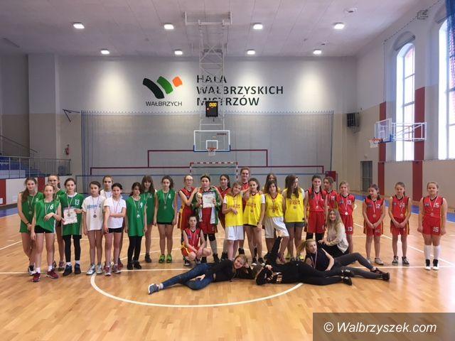 Wałbrzych: Finał strefy w mini koszykówce
