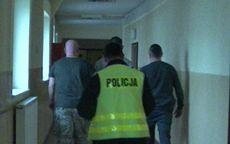 Wałbrzych: Trzy miesiące aresztu dla oszustów podających się za policjantów