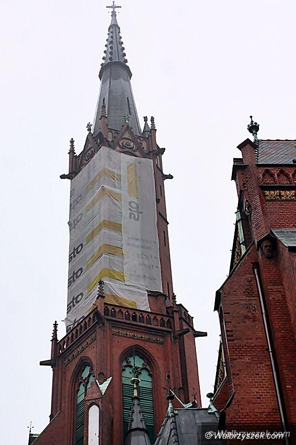 Wałbrzych: Wieża wałbrzyskiej Kolegiaty wymaga remontu. Potrzeba 2 mln zł. Będzie kwesta