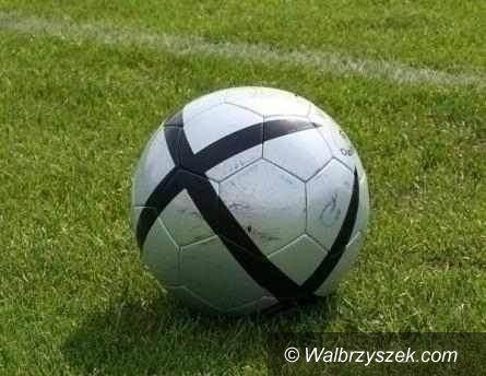 REGION: Piłkarska klasa B: Remis w derbach Wałbrzycha