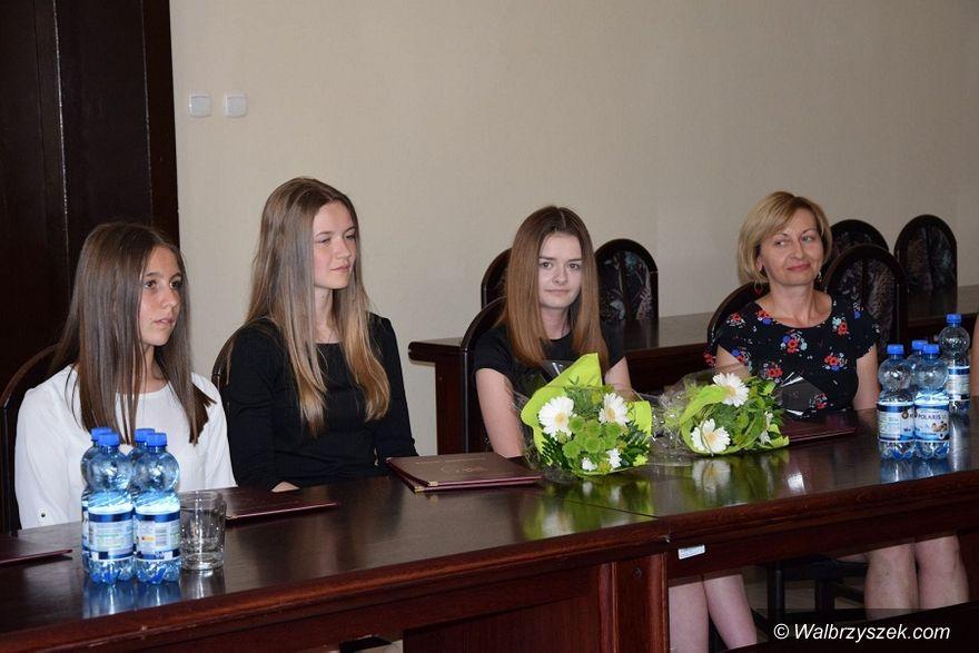 REGION, Boguszów-Gorce: Najlepsi wśród gimnazjalistów z wizytą w Ratuszu